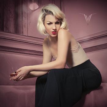 KAREN SOUZA <br />- St. Valentine's Day Special Live -